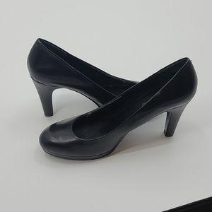 """Bandolino """"Galleigh"""" black heels. Womens size 8.5"""